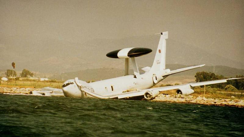 Άκτιο Αιτωλοακαρνανίας 1996: Πως ένα σμήνος γλάρων έριξε ένα AWACS