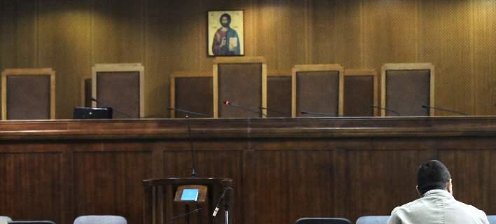 Αποχή έως 15 Σεπτεμβρίου από δίκες του Δημοσίου αποφάσισαν οι δικηγόροι