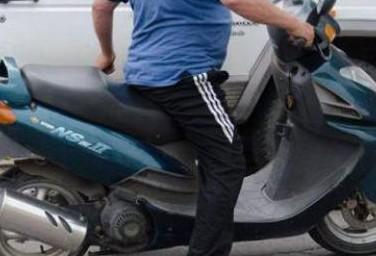 Θέρμο: συνελήφθη δικυκλιστής χωρίς δίπλωμα, ετών… 85!
