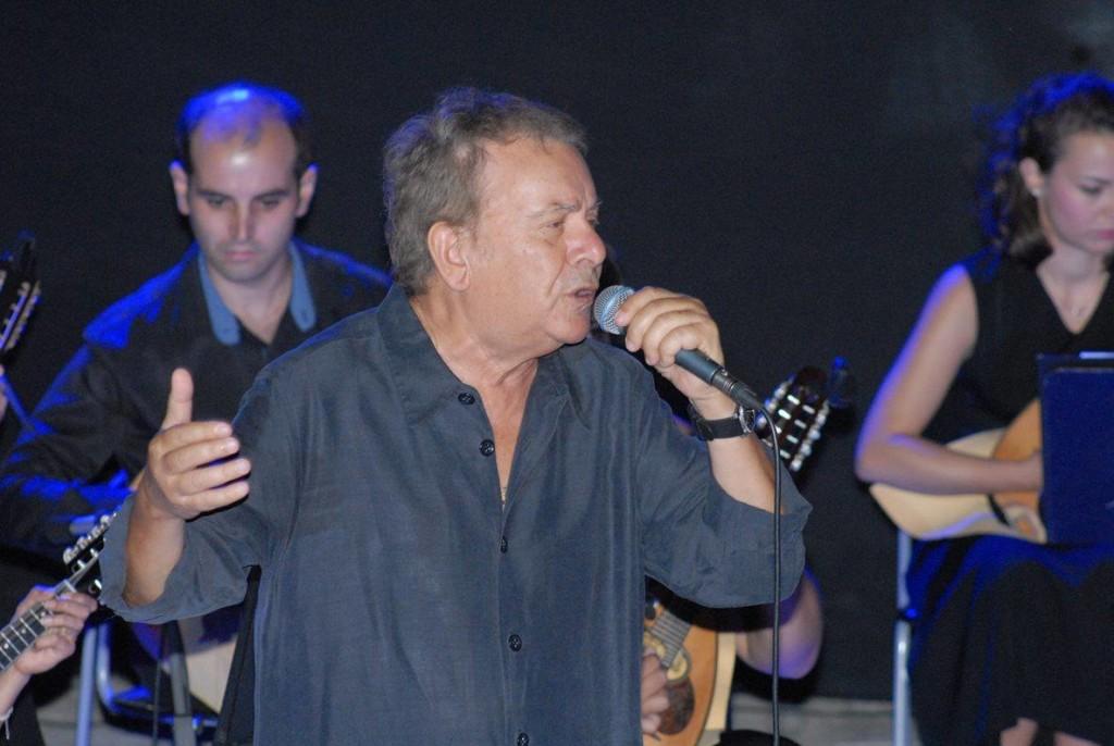 Υπέροχη συναυλία με τον Μανώλη Μητσιά στο Μεσολόγγι