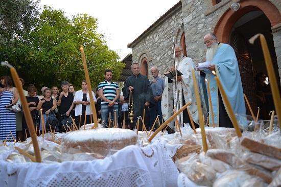 Πανηγυρικός Εσπερινός στο εκκλησάκι της Αγίας Σωτήρας στο Παναιτώλιο