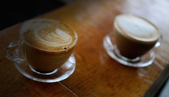 Ούτε Ιταλοί, ούτε Γάλλοι – Αυτός ο λαός της Ευρώπης πίνει περισσότερο καφέ