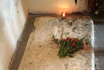 Οδοιπορικό στον τάφο του Αγίου Κοσμά του Αιτωλού στο Κολικόντασι