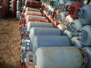 Διέθετε προς πώληση μη γνήσιες φιάλες υγραερίου