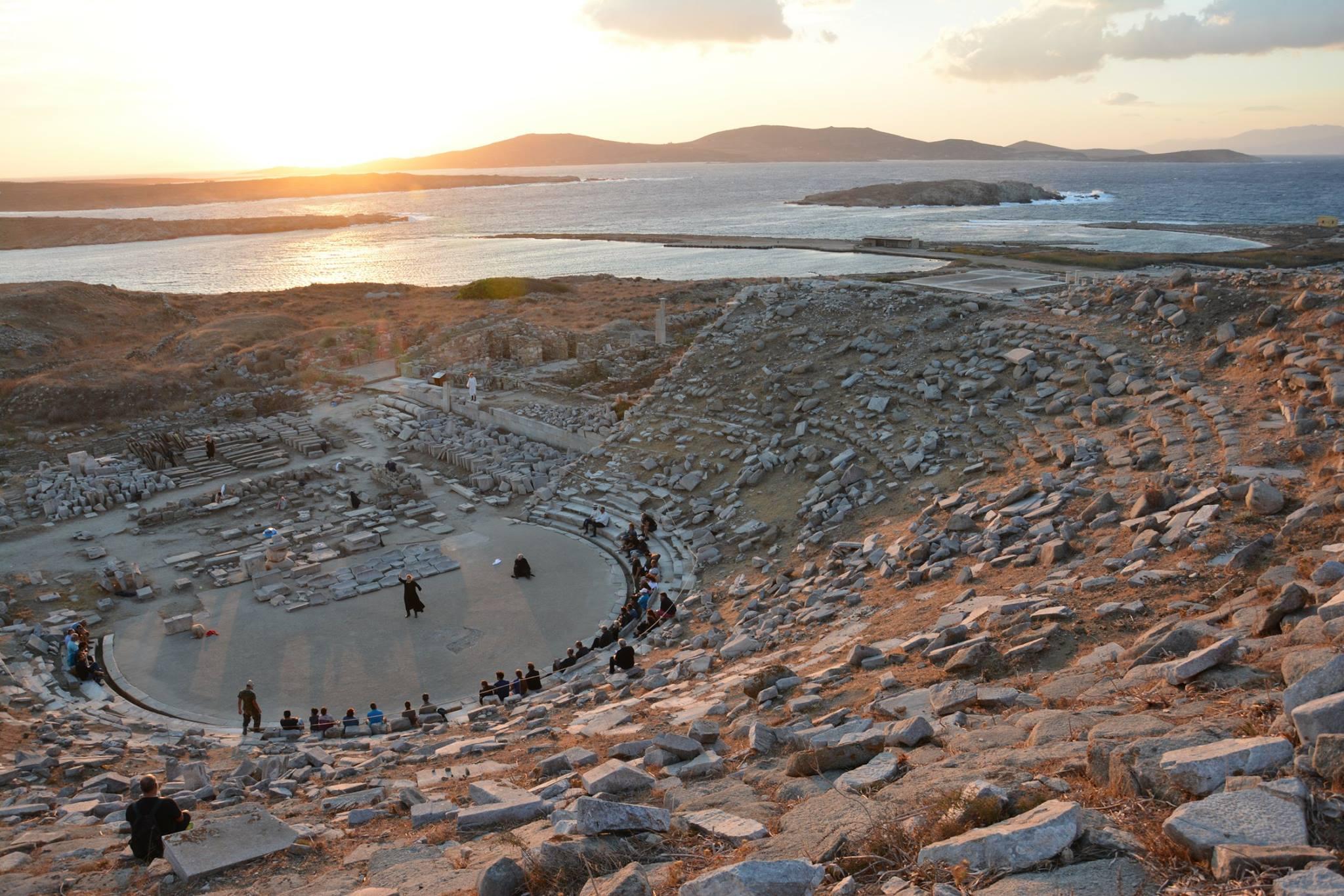 Ιστορική στιγμή και για το Αγρίνιο το άνοιγμα του αρχαίου θεάτρου της Δήλου