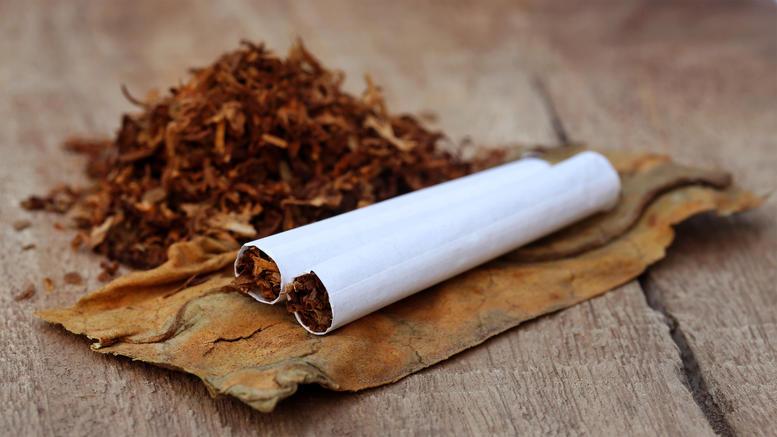 Χειροπέδες σε 63χρονο για λαθραίο καπνό στο Αγρίνιο