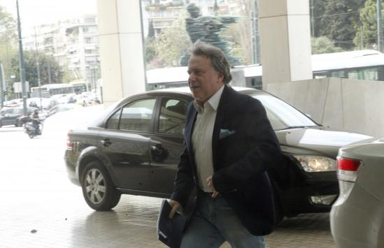 """Πόρτα από τους θεσμούς σε Κατρούγκαλο για το """"πάγωμα"""" των ληξιπρόθεσμων οφειλών στα ταμεία"""