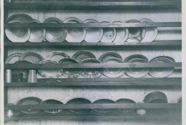 Πιάτα στο προπολεμικό Νοσοκομείο Αγρινίου μετά από τη λεηλασία του από τους Ναζι