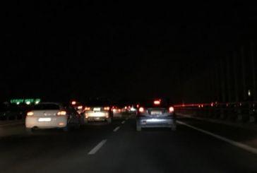 """""""Kυνηγοί"""" χαλκού βύθισαν στο σκοτάδι την εθνική οδό!"""