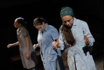 """Παράταση στο """"Από πρώτο χέρι"""" του Μικρού θεάτρου στο θέατρο Θησείον"""