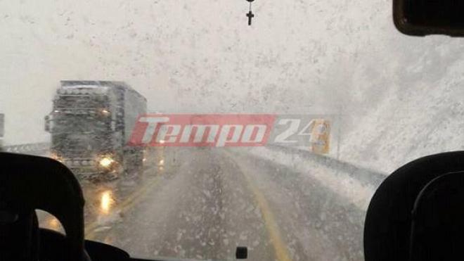 Προσοχή τώρα: Ισχυρή χιονόπτωση στην Εθνική Οδό Πατρών – Κορίνθου