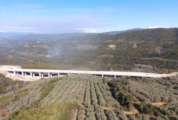 Εντυπωσιακά πλάνα από την υπό κατασκευή Γέφυρα Μενιδίου (βίντεο)