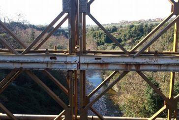 Η Ερμίτσα από την σιδερένια γέφυρα του Αγίου Νικολάου