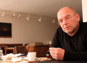 Χρήστος Μποκόρος: O σπουδαίος Aγρινιώτης ζωγράφος μιλά για τα έργα του, την κριτική και την Αριστερά