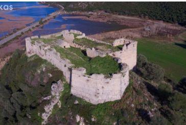 Το κάστρο του Γρίβα από ψηλά
