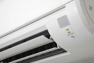 """Σαρώνει στο διαδίκτυο η """"ελληνική πατέντα"""" με το air condition και την σκάλα (φωτο)"""