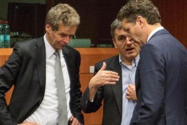 «Ταβάνι» στους συμβασιούχους στο Δημόσιο και περικοπές επιδομάτων στην συμφωνία