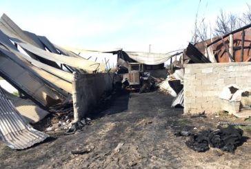 Kάηκε ολοσχερώς αποθήκη με τρακτέρ στον Πλάτανο Καλυβίων