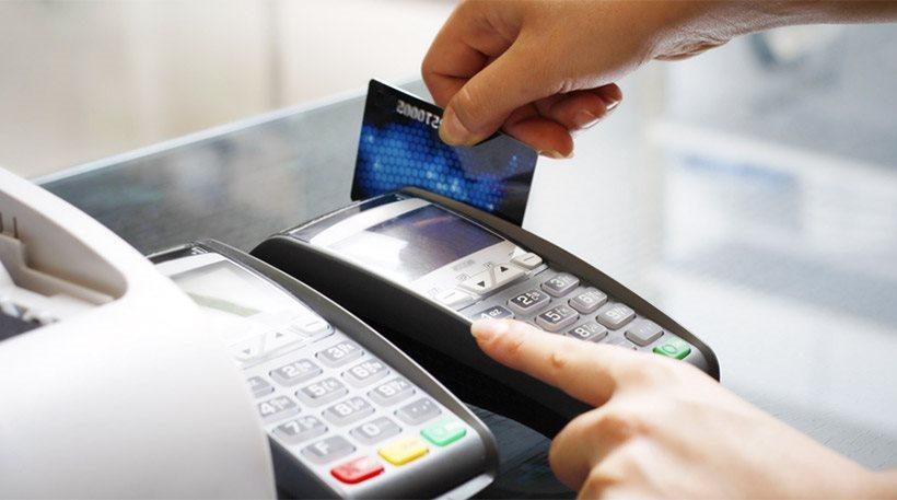 «Χτίσιμο» αφορολόγητου: Ποιοι εξαιρέθηκαν από την υποχρέωση ηλεκτρονικών πληρωμών