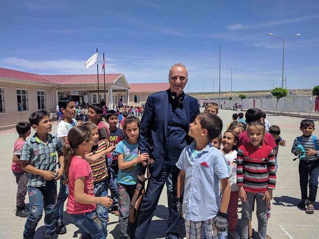 Tι γύρευε ο Βαρεμένος  στα σύνορα της Τουρκίας με τη Συρία