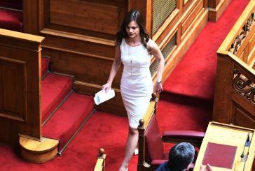 Βουλή: Φέιγ βολάν, Survivor και… ζεϊμπέκικα
