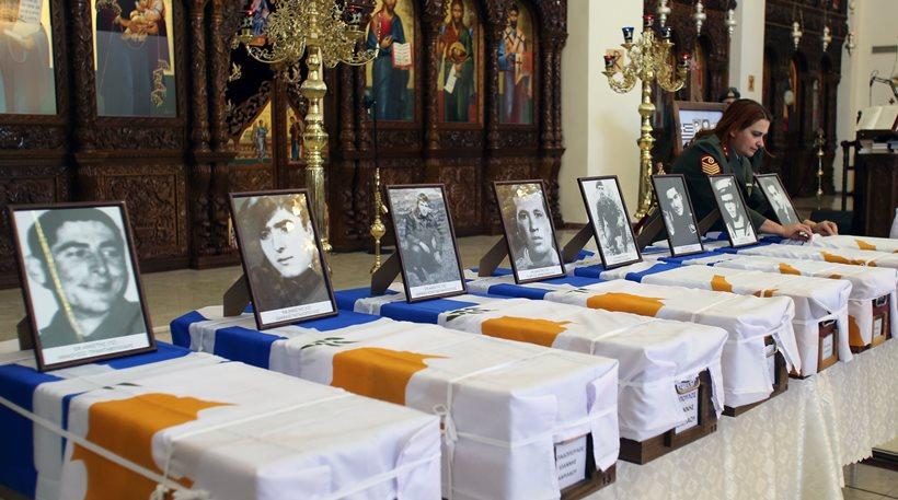 Φωτογραφίες: Επιστρέφουν στην Ελλάδα τα οστά 17 ηρώων που «έπεσαν» στην Κύπρο