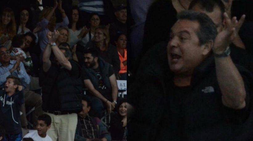 Πολιτική σύγκρουση για τις χειρονομίες Καμμένου στους φίλους του Ολυμπιακού