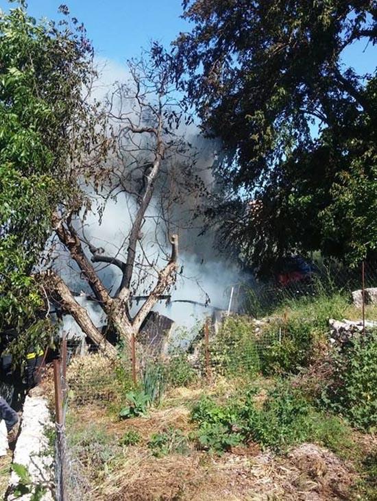 Φωτιά σε αποθήκη στην Κατούνα (φωτο)