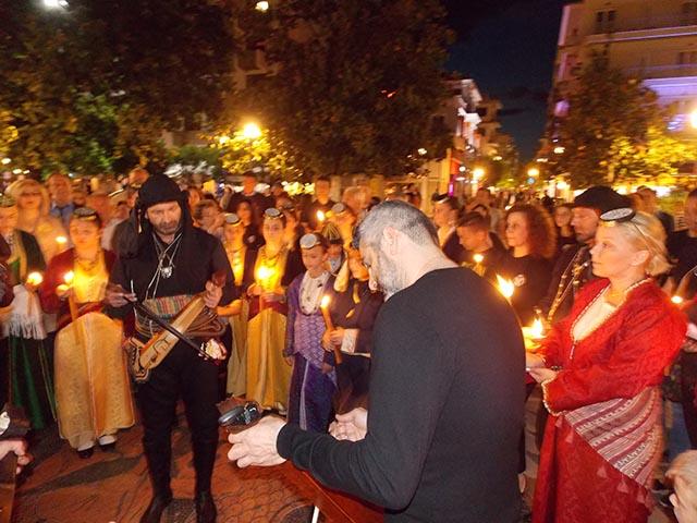 Συγκινητική Πορεία Μνήμης στο Αγρίνιο για τα θύματα της Γενοκτονίας των Ποντίων