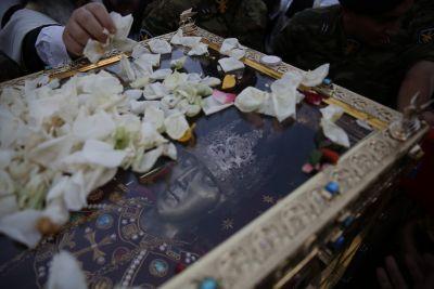 Συγκλονιστικό φωτορεπορτάζ: To Λείψανο της Αγίας Ελένης για πρώτη φορά στην Ελλάδα