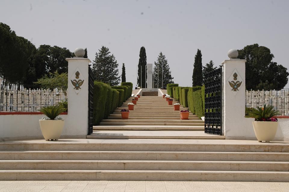 Το μνημείο στη θέση όπου έπεσε το αεροσκάφος του Ήρωα Β. Παναγόπουλου