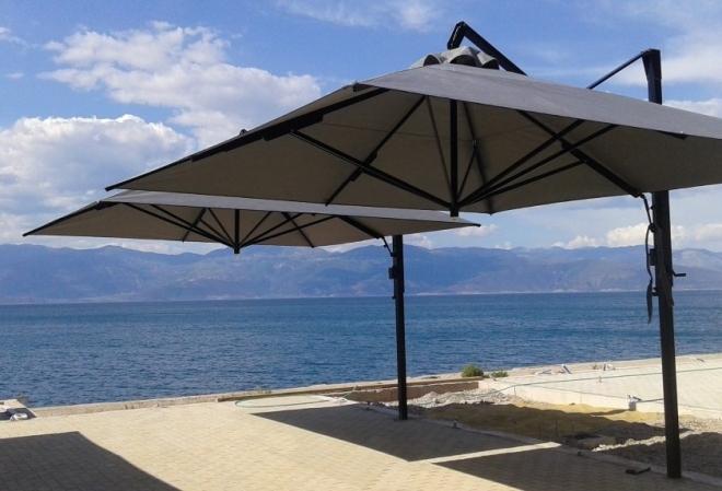 """Λιμενικό Ταμείο Ναυπακτίας: """"Οι ομπρέλες πρέπει να αφαιρούνται μετά το καλοκαίρι"""""""