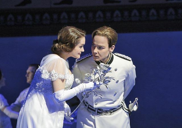 """Όπερα """"ο Ιππότης με το ρόδο"""" στο Αγρίνιο σε ζωντανή μετάδοση από τη Νέα Υόρκη"""