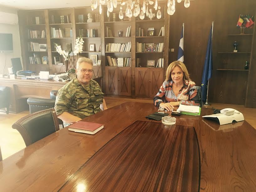 Εθιμοτυπική επίσκεψη στη Σταρακά από το νέο διοικητή του 2/39 Συντάγματος Ευζώνων