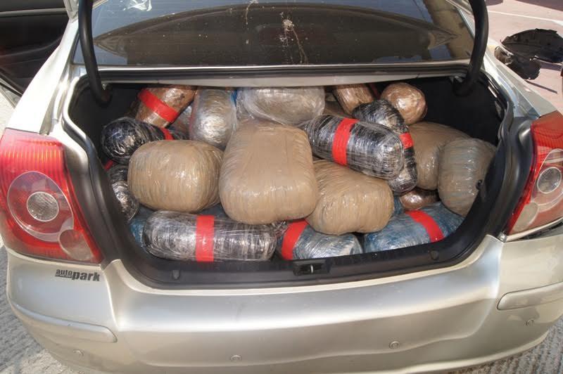 Mέλη κυκλώματος διακίνησης ναρκωτικών oι συλληφθέντες στην Αμφιλοχία- κλεμμένο το όχημα με τα 150 κιλά χασίς