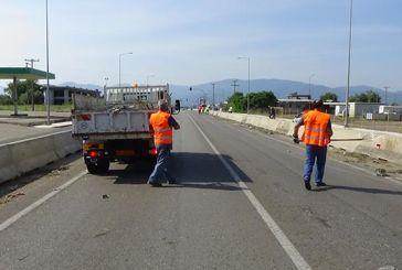 Καθαρισμός από τον Δήμο Αγρινίου στην Εθνική Οδό γιατί η Περιφέρεια «αγνοεί τις οχλήσεις του»