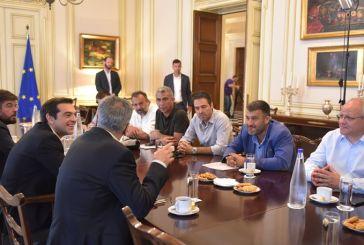 Χιλιάδες προσλήψεις χωρίς όριο ηλικίας έταξε ο Τσίπρας στους απεργούς της ΠΟΕ-ΟΤΑ