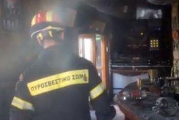 Βίντεο: Οι άνδρες της ΕΜΑΚ μπαίνουν στο μοιραίο μπαρ μετά το σεισμό στην Κω