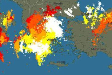 Καλλιάνος: «Θέλαμε τις βροχές να δροσιστούμε αλλά όχι κι έτσι…» – Χάρτης με τους κεραυνούς που σάρωσαν τη χώρα