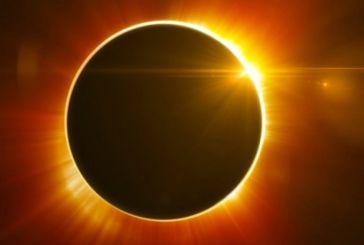 Η NASA μεταδίδει ζωντανά την ολική έκλειψη ηλίου (vids)
