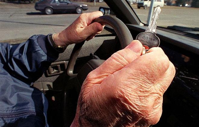 elderly_driver660
