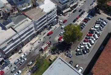 Φωτιά σε αυτοκίνητο στο κέντρο της Ναυπάκτου (video)