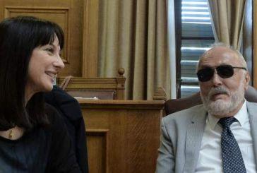 Τρεις υπουργοί και τέσσερις βουλευτές ψήφισαν το ξήλωμα του νόμου Διαμαντοπούλου – Το 2011 τον είχαν υπερψηφίσει