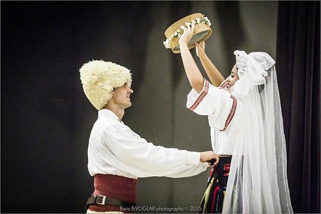 pol-diethnes-festival-paradosiakon-xoron (1)