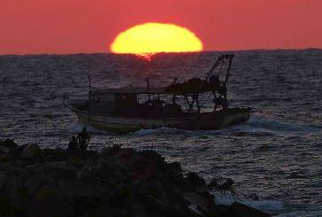 Στα δίχτυα ενός ψαρά στις ακτές της Γάζας βρέθηκε ένα μπουκάλι από τη Ρόδο