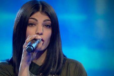 Η Κωνσταντίνα Ζωμένη του «The Voice» σαγηνεύει με την φωνή της την παρέα της  στον Άγιο Βλάση Αγρινίου