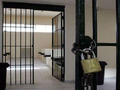 «Μας τσιμπούν κοριοί» καταγγέλει κρατούμενος στο Αγρίνιο