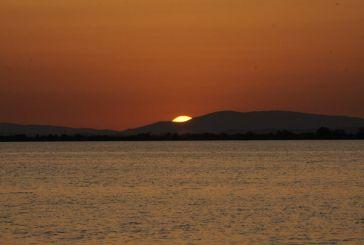 Το χρυσαφένιο ηλιοβασίλεμα στη  Λιμνοθάλασσα του Μεσολογγίου