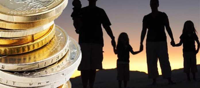 Οικογενειακά επιδόματα: Πότε θα δοθούν -Πώς θα στηθεί ο ΟΠΕΚΑ