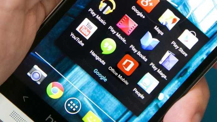 Συμβουλές ειδικών: Γιατί δεν πρέπει να φορτίζουμε το κινητό μας το βράδυ